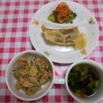 五目炊き込みご飯・魚の天ぷら・お浸し・吸い物