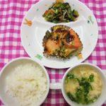 鮭とじゃがいものみそマヨネーズ焼き・小松菜のごま和え・かきたま汁